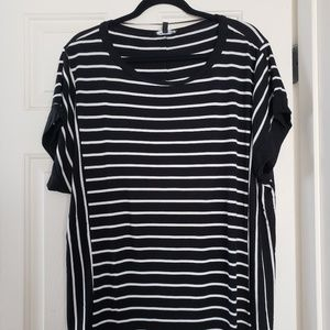 Cable & Gage Woman Top